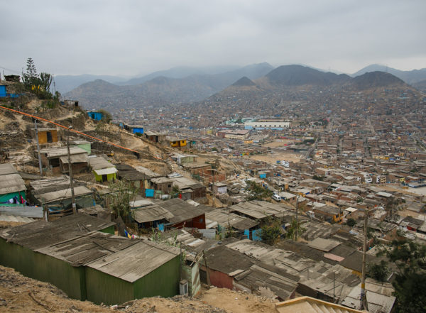 A new study surveyed ecosystems of bacteria and their capacity to resist antibiotics in low-resource communities, including Pampas de San Juan de Miraflores, a densely populated slum outside Lima, Peru.